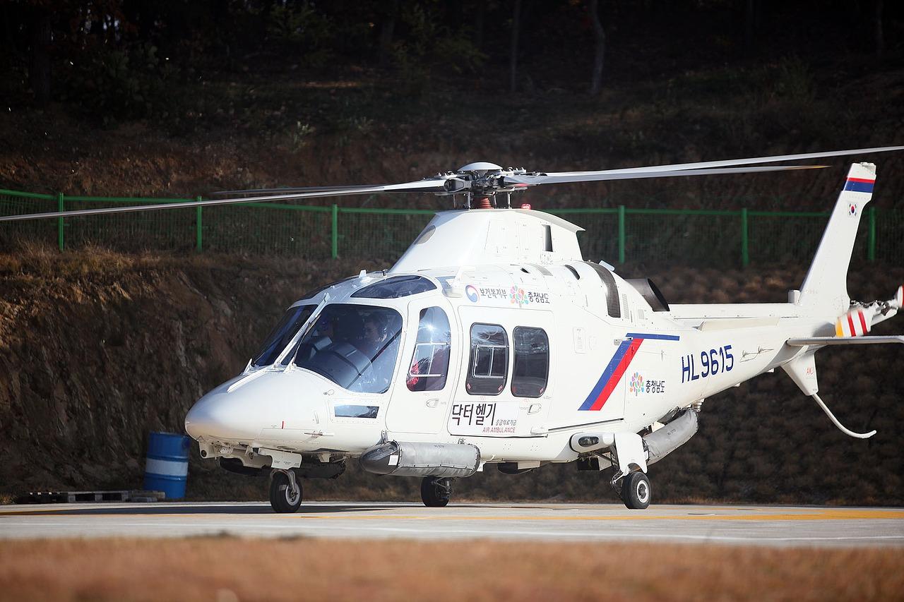 【空撮】ヘリ空撮国内12社まとめ!ドローン空撮との比較も紹介!【徹底比較】