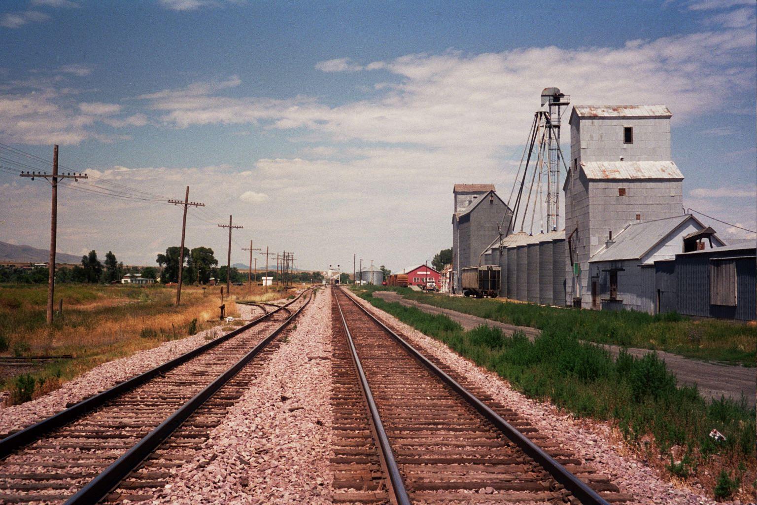 鉄道路線への進入をドローンで監視。アメリカ初の計画が進行中