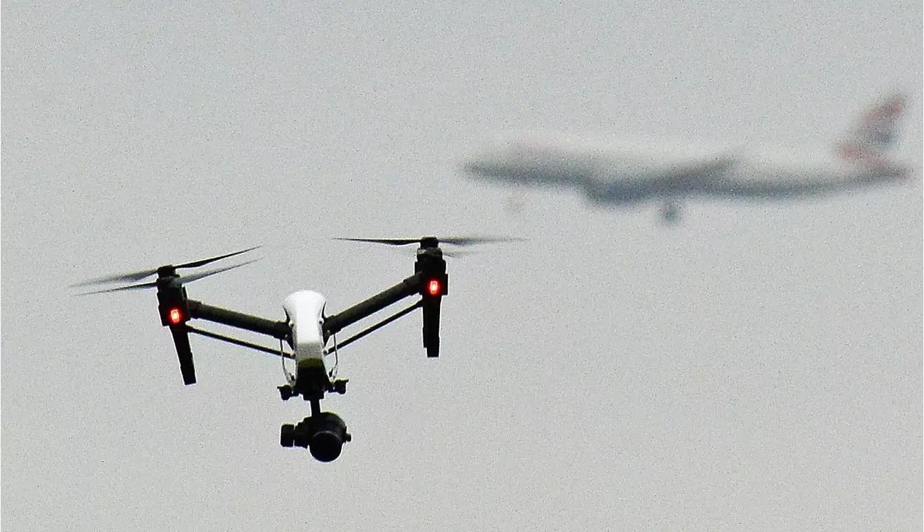 ドローンと航空機の衝突、バードストライクよりも危険だった