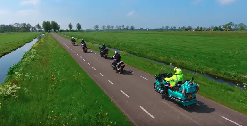 法律違反?ツーリング中のバイクをドローン自動追尾で撮影する問題点とは?